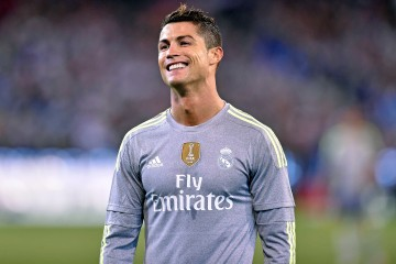 epa04858430 Cristiano Ronaldo of Real Madrid reacts after disallowed goal during the final match of the International Champions Cup, between Real Madrid and Manchester City, played at the MCG in Melbourne, Australia, 24 July 2015.  EPA/JOE CASTRO AUSTRALIA AND NEW ZEALAND OUT