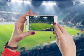 Samsung-Camera-smartphone-pixabay-stade-football