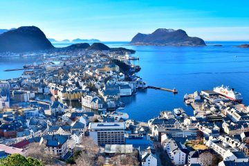 2500x1250_aalesund_port_by_laurence-plancke_guest-image