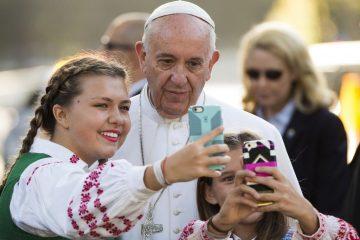 pape selfie