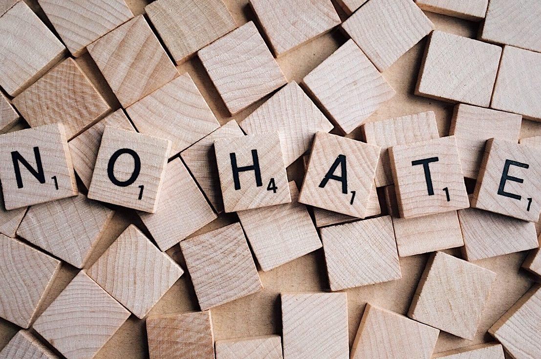 Facebook Twitter Google lutte contre la haine