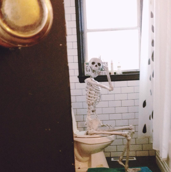 EdgarAllanBones, le squelette de compagnie