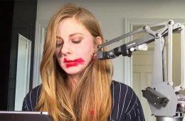 SimoneGiertz, la reine des robots pourris